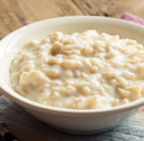 What Can Oatmeal Do For Your Skin…?
